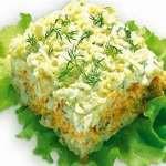 Слоенный салат с лососем
