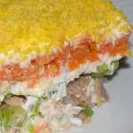 Салат с киви и консервированной сайрой