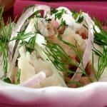 Салат из палтуса с рисом и помидорами