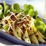 Грушевый салат с копченым сыром